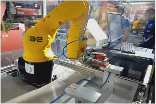 机器人柔性抛光打磨不锈钢